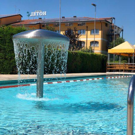 piscina esterna meolo ancora sport hotel